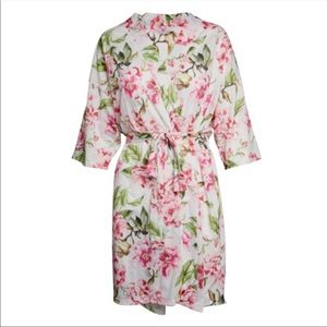 NWT BRIE ROBE ~ GARDEN OF BLOOMS